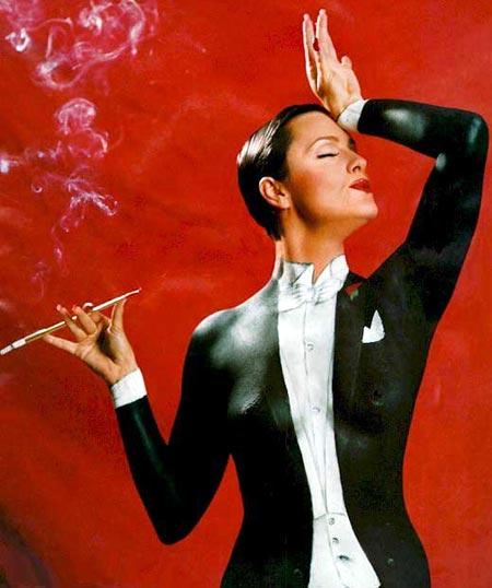 UN PRECIOSO SMOKING